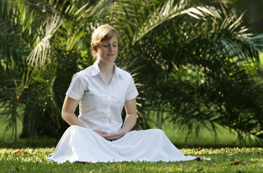 É importante que você esteja confortável durante a meditação. Imagem: Pixabay